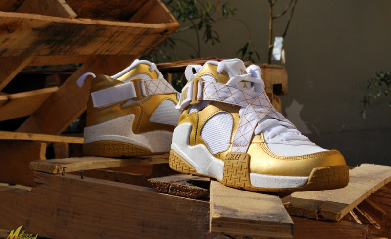 Nike Air Raid White / Gold
